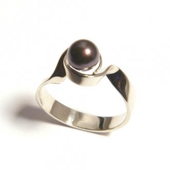 Wit gouden ring met parel